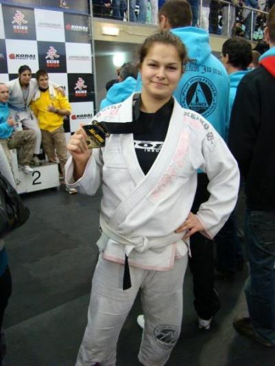 Lisabon, Portugal, veljača 2010., Andrea sa zlatnom medaljom